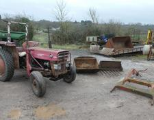 Massey Ferguson 135 TRACTOR AND LOADER